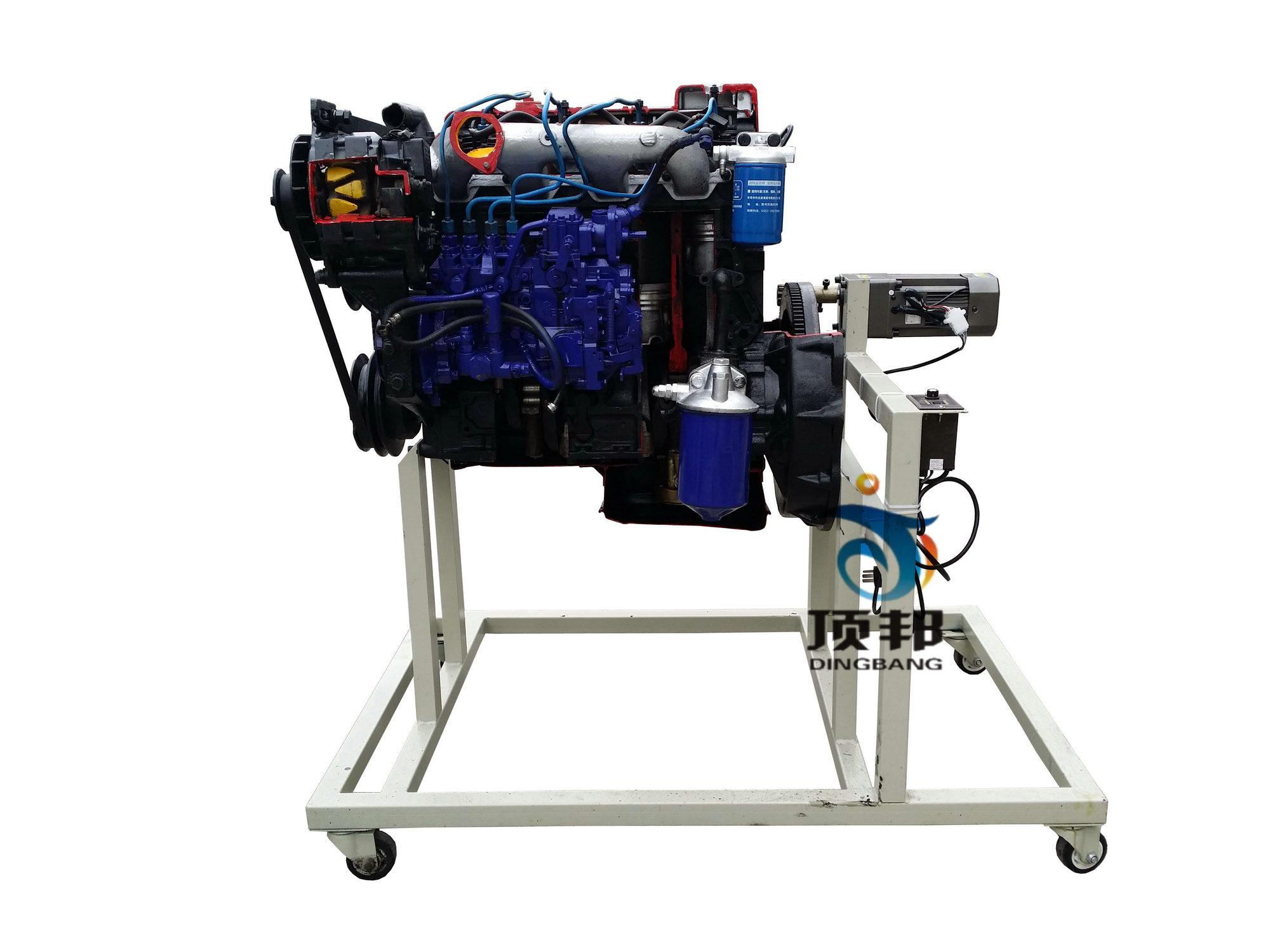 拖拉机发动机解剖模型